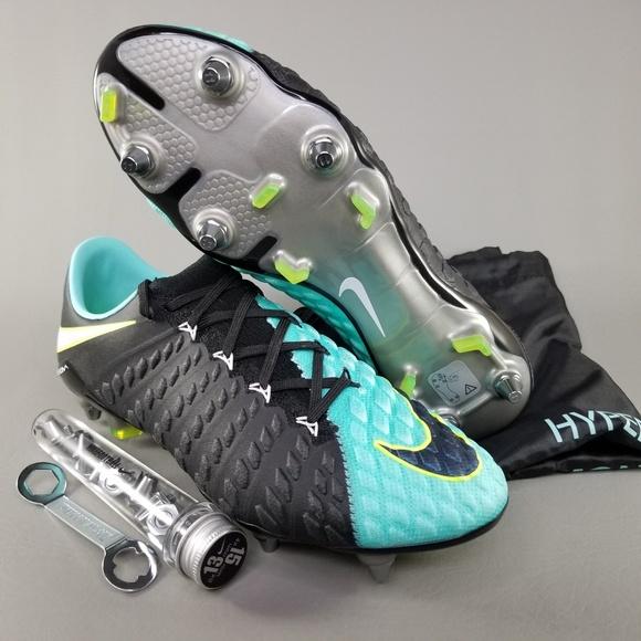 e6b3633e7 Nike Hypervenom Phantom 3 SG Pro Wmn Soccer Cleats